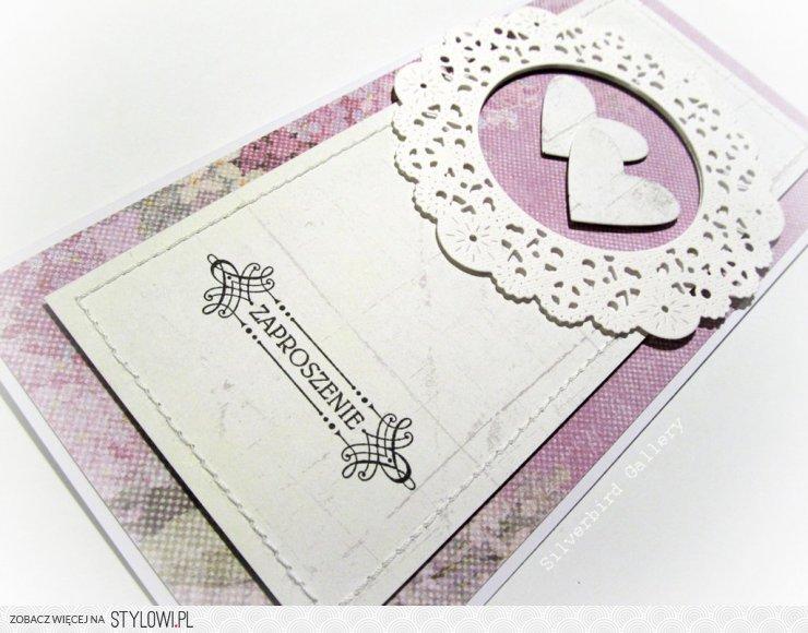 Wzór Zaproszenia W Bieli Oraz Fioletach Napis Stemplow Na Stylowipl