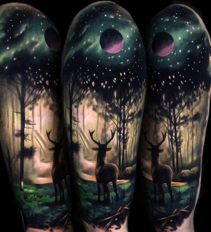 Jeleń W Lesie Tatuaż Na Ramienu Na Stylowipl