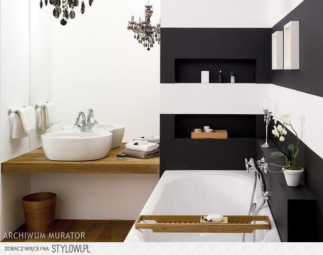 Czarno Biała łazienka Z Drewnianą Podłogą łazienka Na