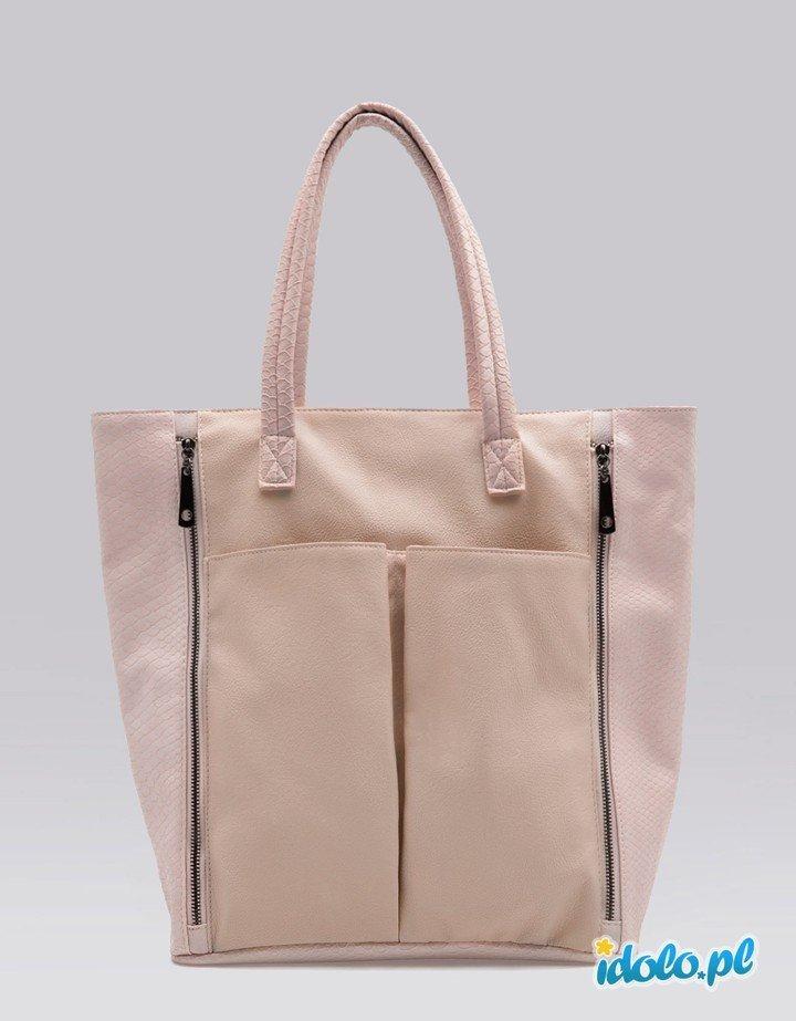 0674fc7c55149 duża torba Bershka w kolorze jasnoróżowym - modne toreb… na Stylowi.pl