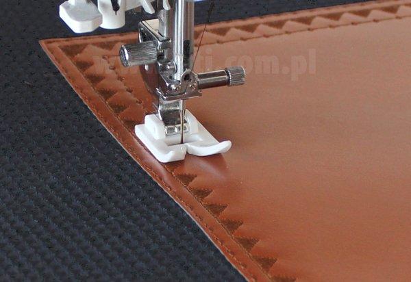 9b02b369090c0 DIY - opis jak uszyć torebkę - kopertówkę. Więcej proje… na Stylowi.pl