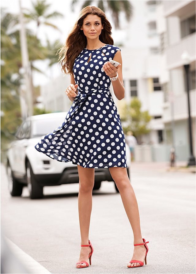 8521d76aa7023 Sukienka w groszki Elegancka sukienka • 99.99 zł • bon… na Stylowi.pl