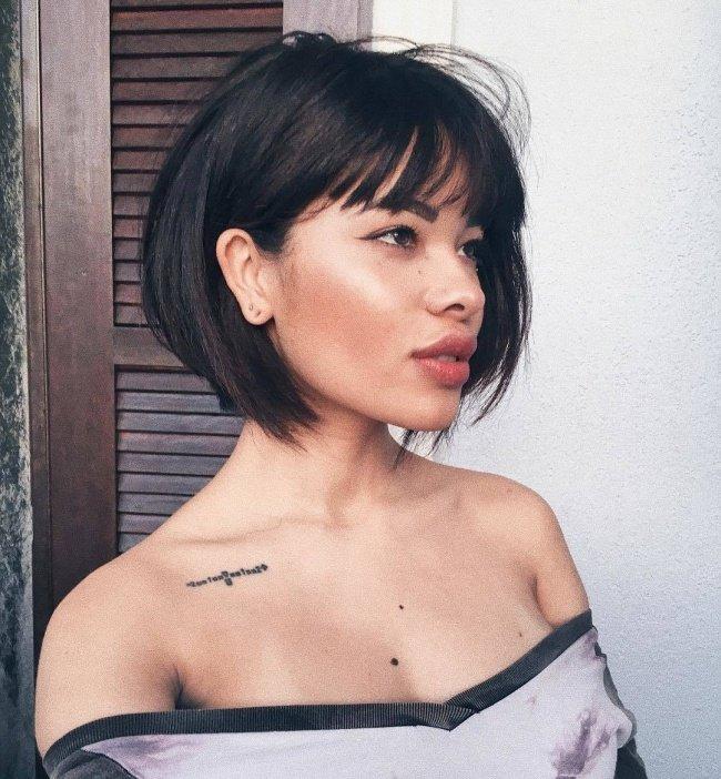 Modne Fryzury Z Grzywką 2019 Cięcia Dla Włosów Do Rami Na Stylowipl