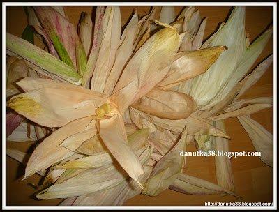 Moje Cuda Cudenka Jak Zrobic Kwiaty Z Lisci Kukurydzy Na Stylowi Pl